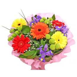 Букет №3 (герберы, хризантемы, ирисы, декор. зелень)