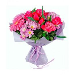 Букет №14 (хризантемы, розы, гербера, тюльпаны, декор.зелень)