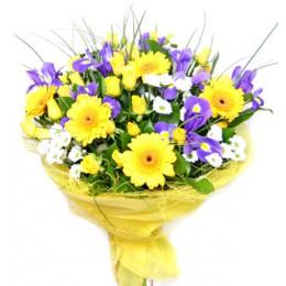 Букет №56 (хризантемы, герберы, куст.розы, ирисы, декор.зелень)