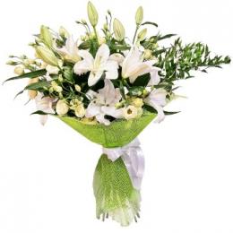 Букет №144 (лилии, эустома, декор.зелень)