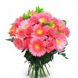 Букет №147 (герберы, розы, альстромерии, декор.зелень)