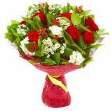 Букет №148 (розы, хризантемы, фрезии, гиперикум, декор.зелень)