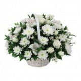 Корзина №2 (9 роз, 9 альстромерий, 10 хризантем, декор.зелень)