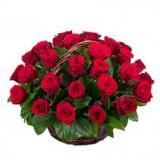 Корзина №7 (35 роз, декор.зелень)