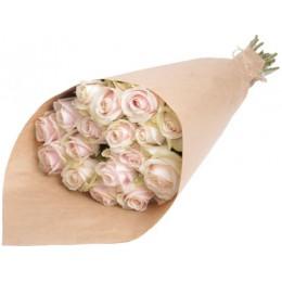 Букет в крафте №4 (15 роз)