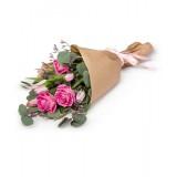 Букет в крафте №10 (розы, тюльпаны, лимониум, декор.зелень)