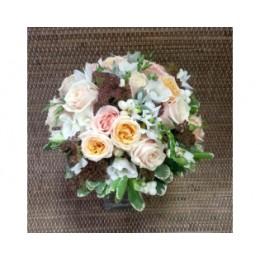 Букет невесты №14 (розы, эустома, куст.розы, скимия, гиперикум, зелень, декор)