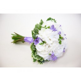 Букет невесты №15 (гортензия, фрезии, зелень, декор)