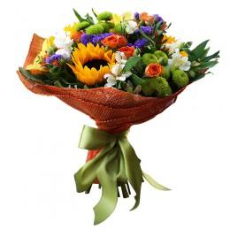 Букет №219 (гелиантусы, куст.розы, альстромерии, хризантемы, статица, эустома, декор.зелень)