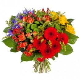 Букет №223 (герберы, розы, куст.розы, хризантемы, ирисы, гиперикум, декор.зелень)