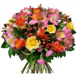 Букет №232 (розы, альстромерии, куст.гвоздики, гиперикум,  декор.зелень)