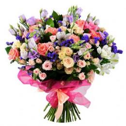 Букет №236 (розы, куст. розы, эустома, статица, декор.зелень)